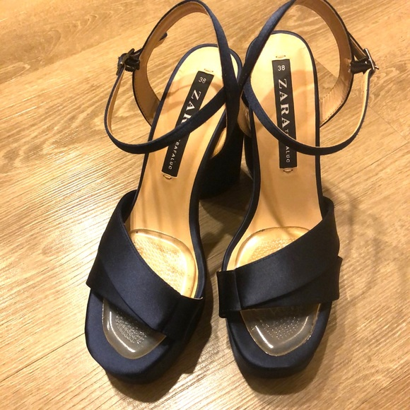 ♦️CLOSET CLEARANCE‼️ Zara platform sandals